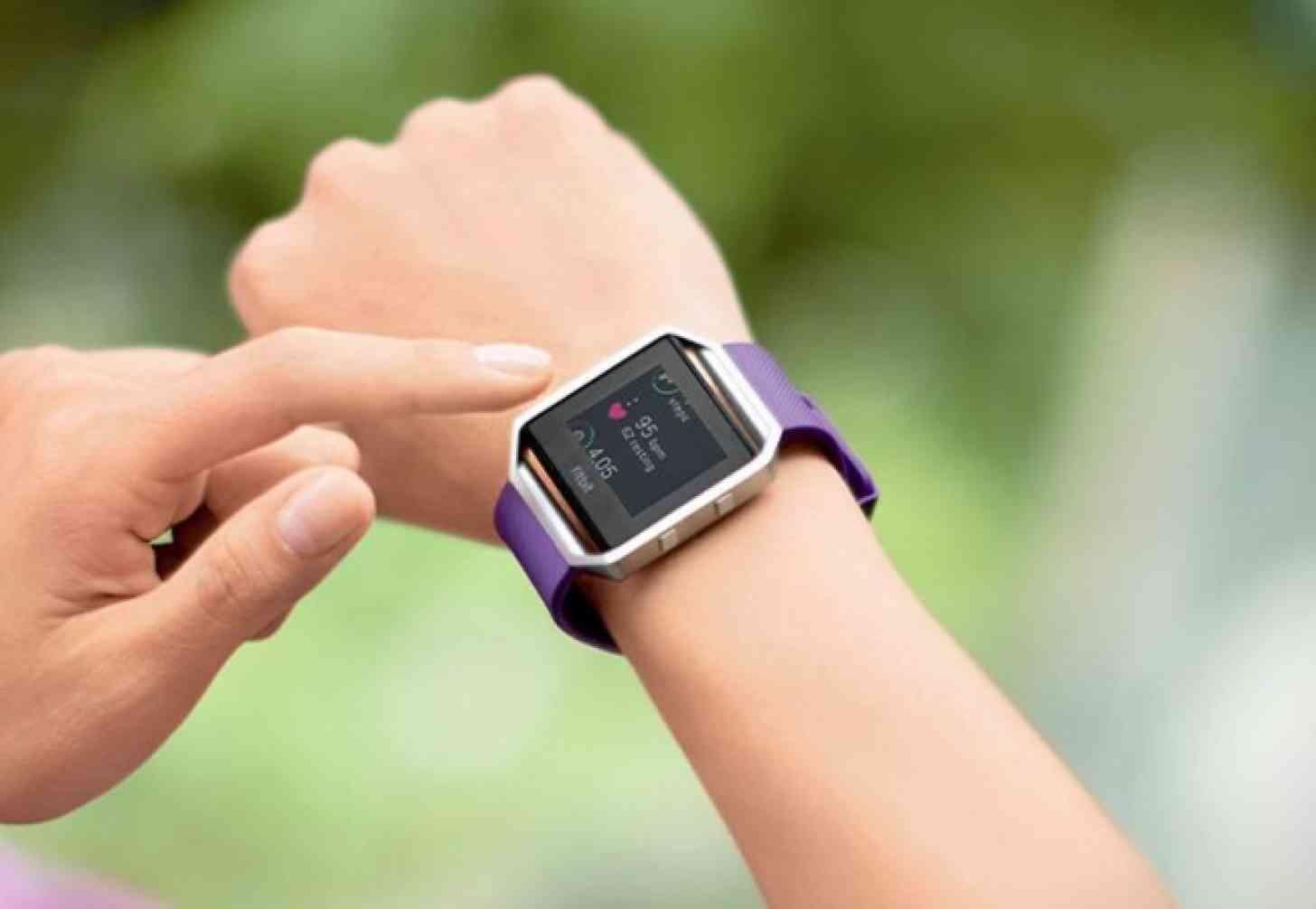 fitnessuhr test hilft das armband wirklich beim abnehmen. Black Bedroom Furniture Sets. Home Design Ideas